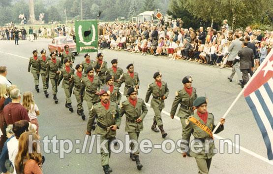 1971Sept6_AirborneMarchOost